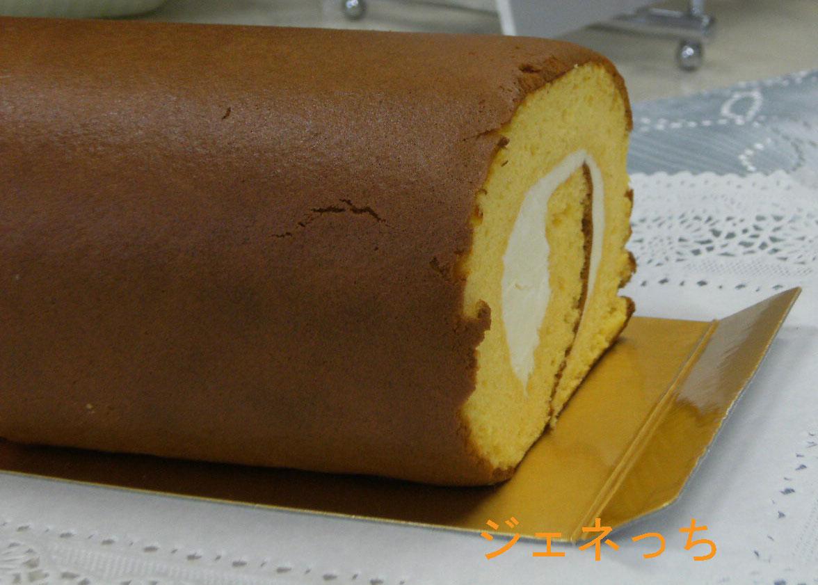 蜂蜜ロールケーキ 切る前